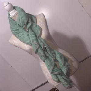 NWT Francesca's Collections Soft Knit Flowy Scarf